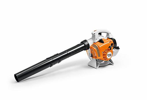 Moderna sopladora de mano a gasolina, fácil de usar y ligera.